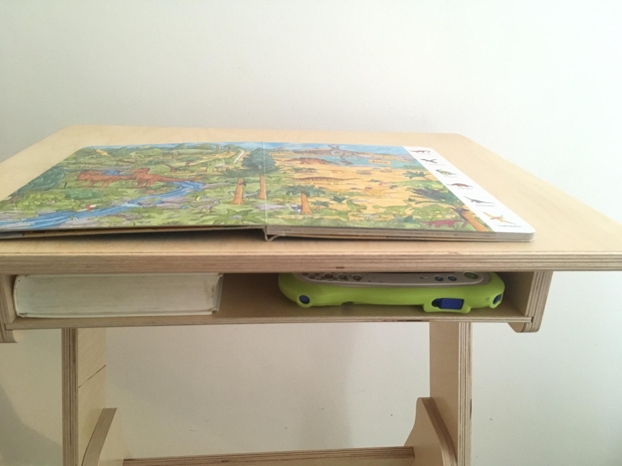 Jaswig 39 s houten sta bureau voor kids coolest kid on the blog - Houten bureau voor kinderen ...