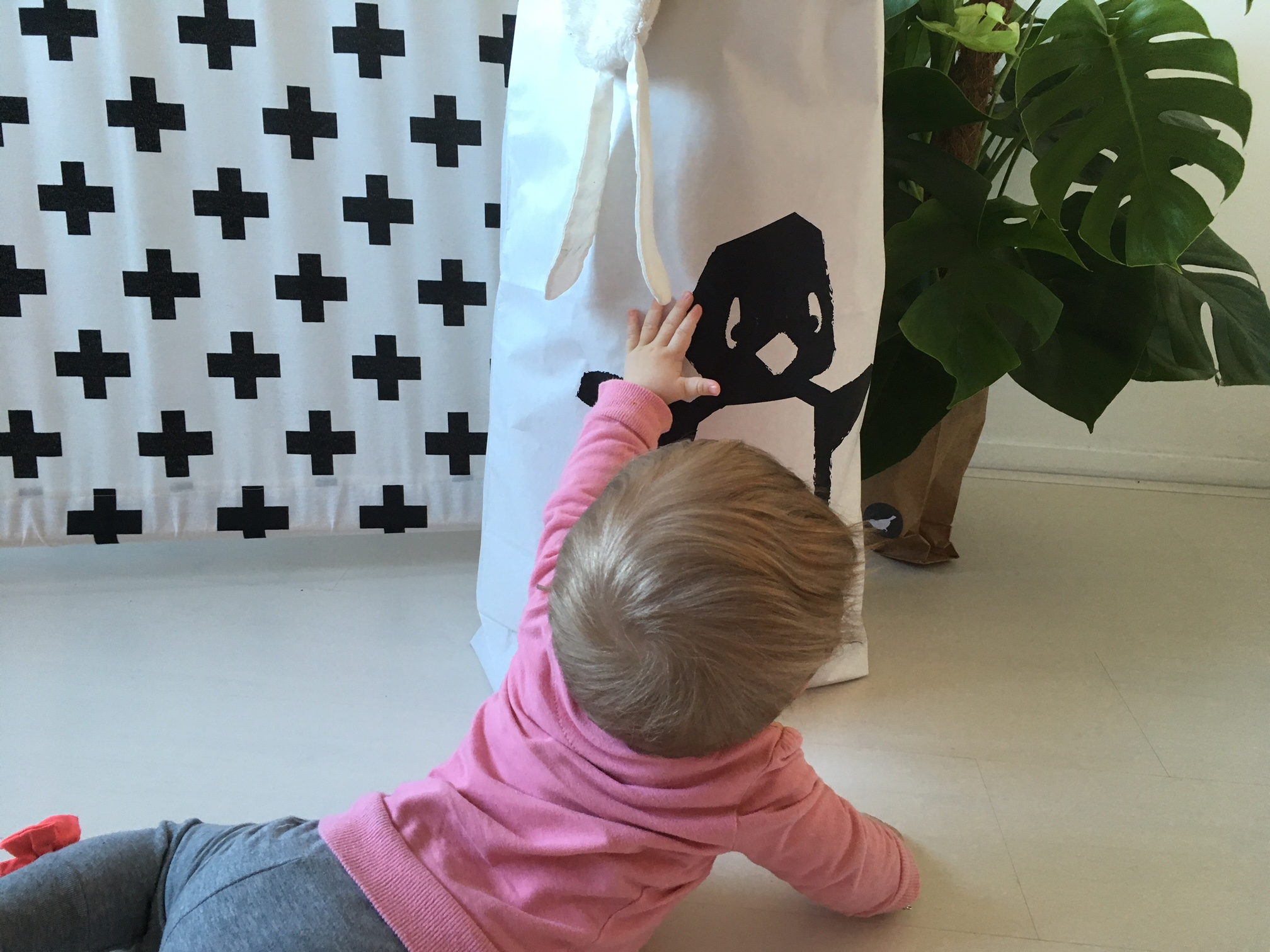 WIN: Cute pinguin XL paperbag van Studio Circus