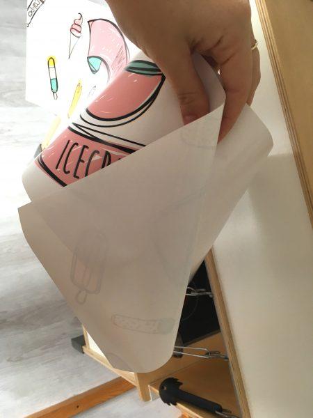 Met deze toffe stickers krijgt je Ikea Duktig keukentje een compleet nieuwe functie en uitstraling! Snel, makkelijk en ontzettend origineel.