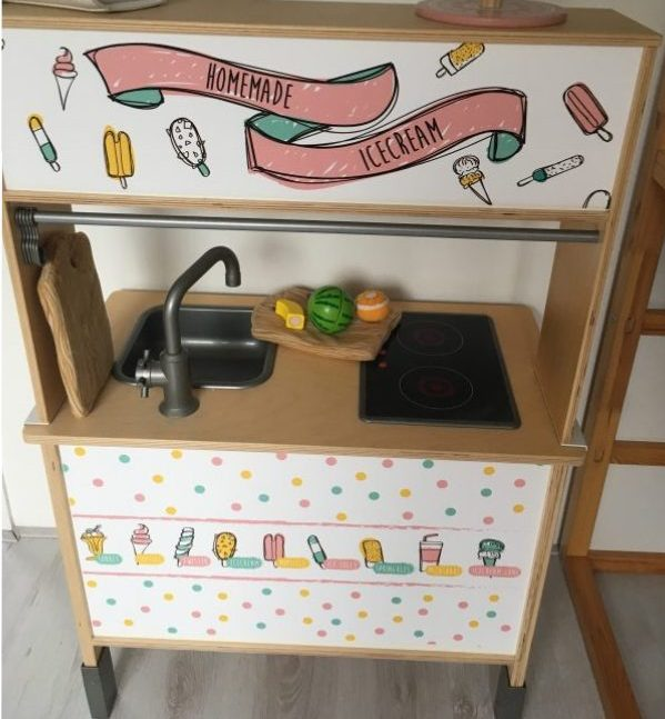 Düktig keukentje van Ikea, wordt in een handomdraai een tof kraampje!