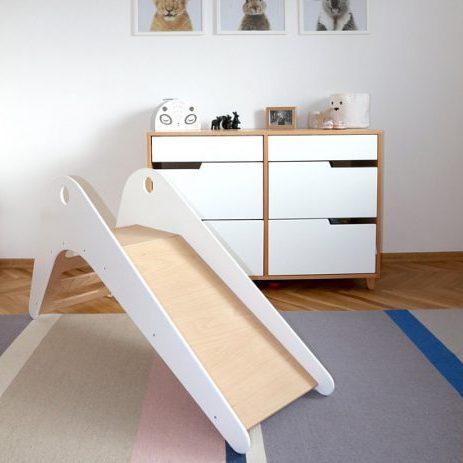 Witte houten design glijbaan