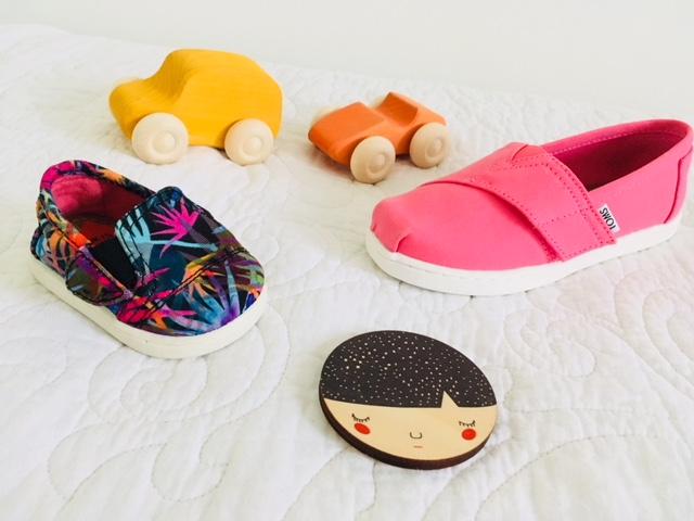 Deze hippe vegan sneakers, maken óók een ander kind blij