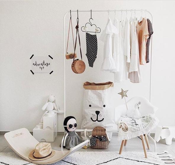 Prachtige witte kinderkamer inspiratie + shop the look